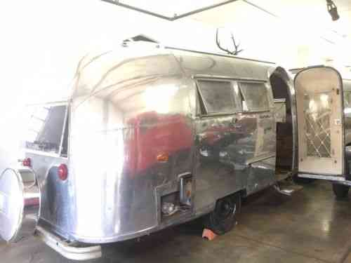 Airstream Globetrotter (1962)