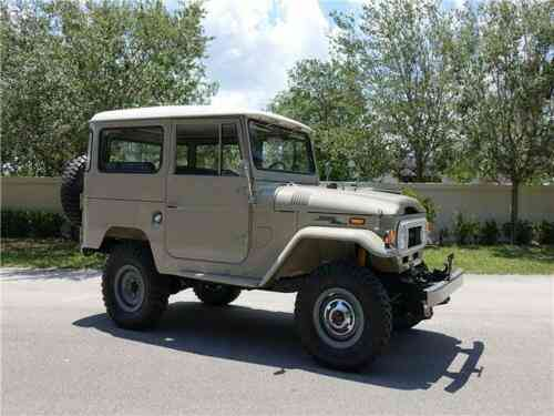 Toyota Land Cruiser (1997) Car Has Been Modified With A Lift