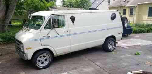 Dodge B200 Van (1977) This Van Has Everything You Need To Go