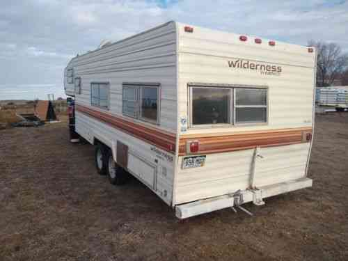 Fleetwood Travel Trailers >> Fleetwood Travel Trailer 1985 Can Be Towed As Is But