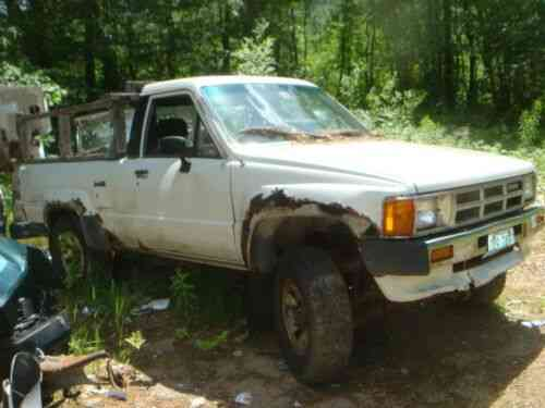 toyota 4runner complete truck for restoration (1986)