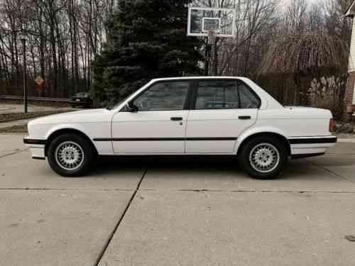 BMW 3-Series 325i (1989)