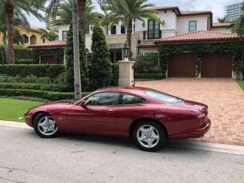 Jaguar XK8 COUPE (1997)