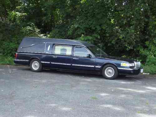 Lincoln Town Car Hearse 1997 Lincoln Town Car Hearse This Used