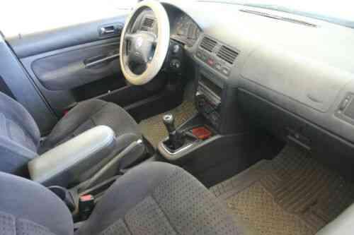 Get 1999 Volkswagen Jetta White