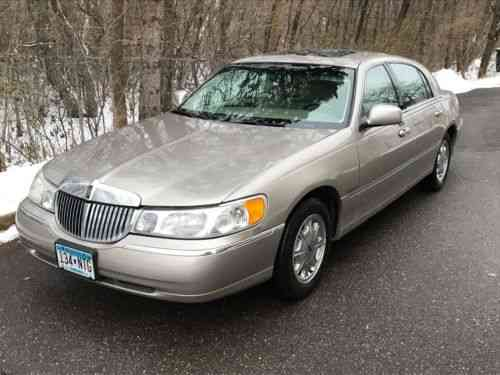 Lincoln Town Car Signature Series Limited 2000 I M Selling Used