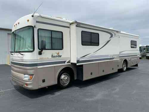 28' Bounder Class A Motorhome Rv Camper Rare Size Chevy