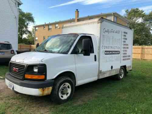 Gmc Savana 3500 Box Truck 10ft Low Miles 2003 I Have A Gmc Used Classic Cars