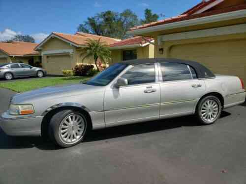 Lincoln Town Car Signature 2004 For Sale By A Private Owner Used Classic Cars