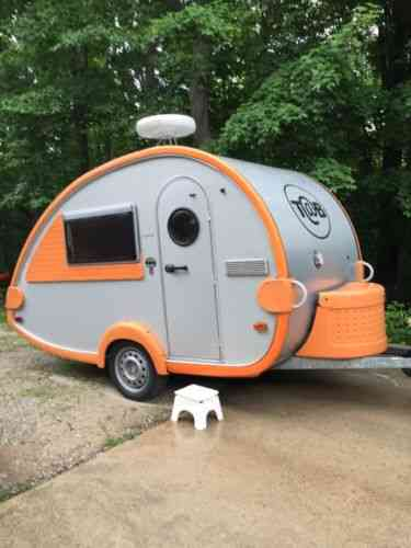 Dutchmen 2004 t b camper 3 way refrigerator gas vans suvs and trucks cars - The mobile little house the shortest way to freedom ...