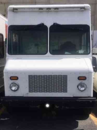 Workhorse Custom Chassis W42 Forward Control Base 2006 Vans SUVs