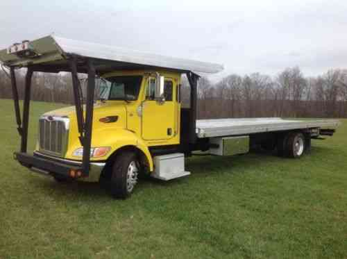 Peterbilt Rollback car hauler Wrecker car carrier (2009)