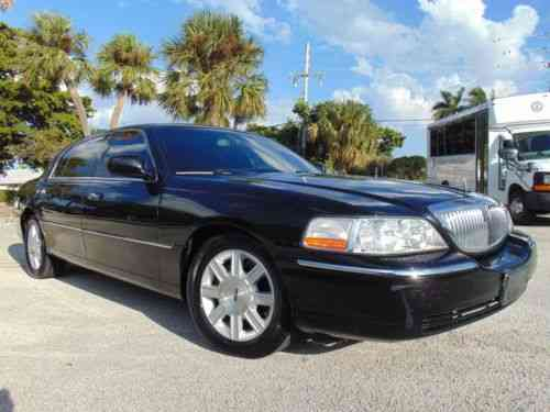Lincoln Town Car Black With Black Vinyl Top 2000 This Is Our Used