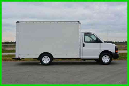Gmc 3500 12ft Box Truck Under 10k Gvw Year End Liquidation Vans Suvs And Trucks Cars