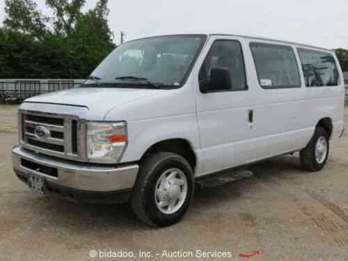 Ford E350 XLT Super Duty 12-Passenger Econoline Van 5 4L V8 Auto A/C (2014)