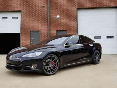 Tesla Model S P90D (2015)