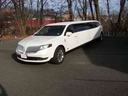Lincoln Town Car 2016 >> Lincoln Town Car Limousine 2016