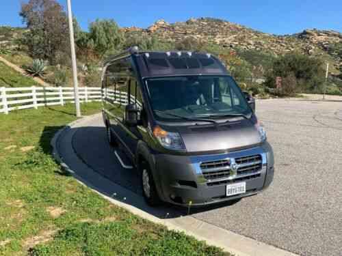 Roadtrek (2002) Dodge Ram Roadtrek Versatile Class-b: Vans