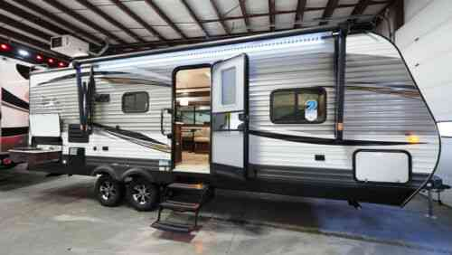 Jayco Jay Flight 24RBS Rear Bathroom Travel Trailer with Outside Kitchen  (2019)