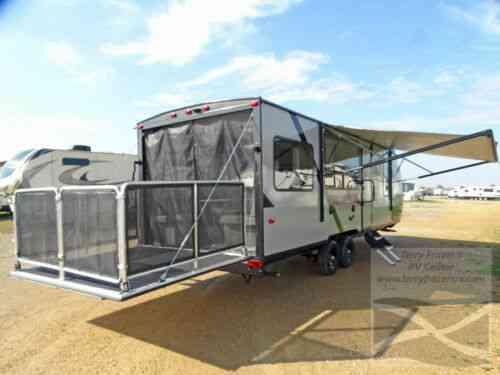 Wildwood Fsx 260rt Toy Hauler Party Deck Fiberglass Vans Suvs And Trucks Cars