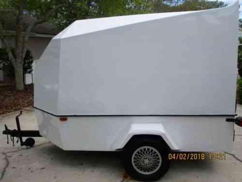 Chariot 1989 Chariot V Nose 10x6 Fully Enclosed Fiberglass Vans
