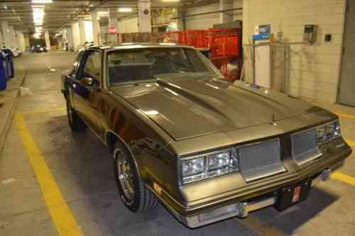 Oldsmobile: Cutlass SUPREME