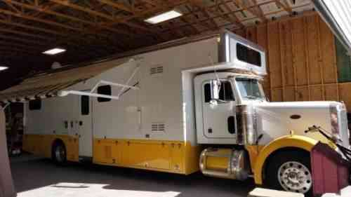 Peterbilt Class C Conversion RV Motorhome (2000)