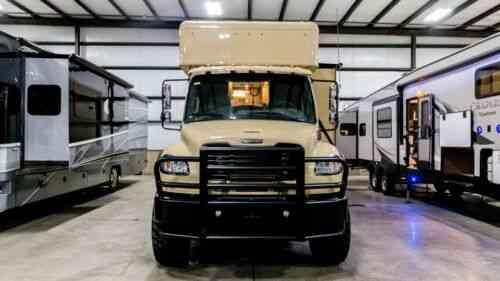Used 2017 ShowHauler Custom 20-FL Freightliner M2 106 4X4 diesel Motorhome  RV