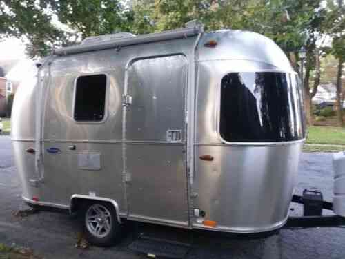 Airstream Travel Trailers >> Used Airstream Travel Trailers This Cozy Comfortable High